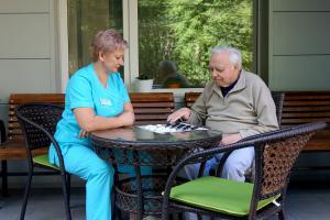 Что нужно взять с собой в пансионат для пожилых