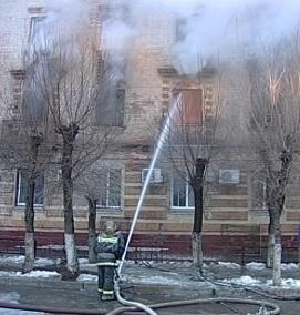 Сегодня ночью горело здание службы судебных приставов Ворошиловского района