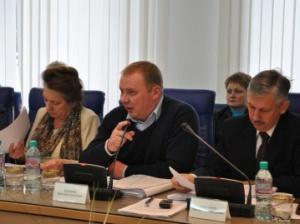 Депутаты обратились кгубернатору заразъяснениями позакупкам иномарок