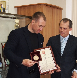 Волгоградский олимпиец  Максим Опалев отмечен еще одной наградой