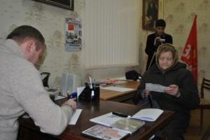 Жители Волжского жалуются депутату Паршину на<nobr>13-е</nobr> квитанции
