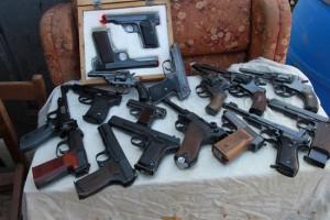 В Волгограде нашли арсенал оружия