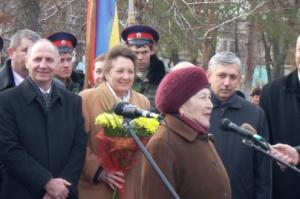 Жительница Калача-на-Дону предложила депутатам-единороссам получать зарплату 6тыс. рублей