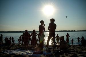 «Утомленным» солнцем россиянам вскоре придется потеплее одеться